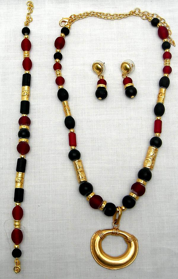 Joyer a juego de collar pulsera y aretes replica - Bano de oro precio ...